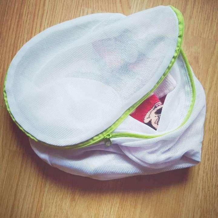 Спестете си търсенето на детските чорапи в пералнята с този трик.