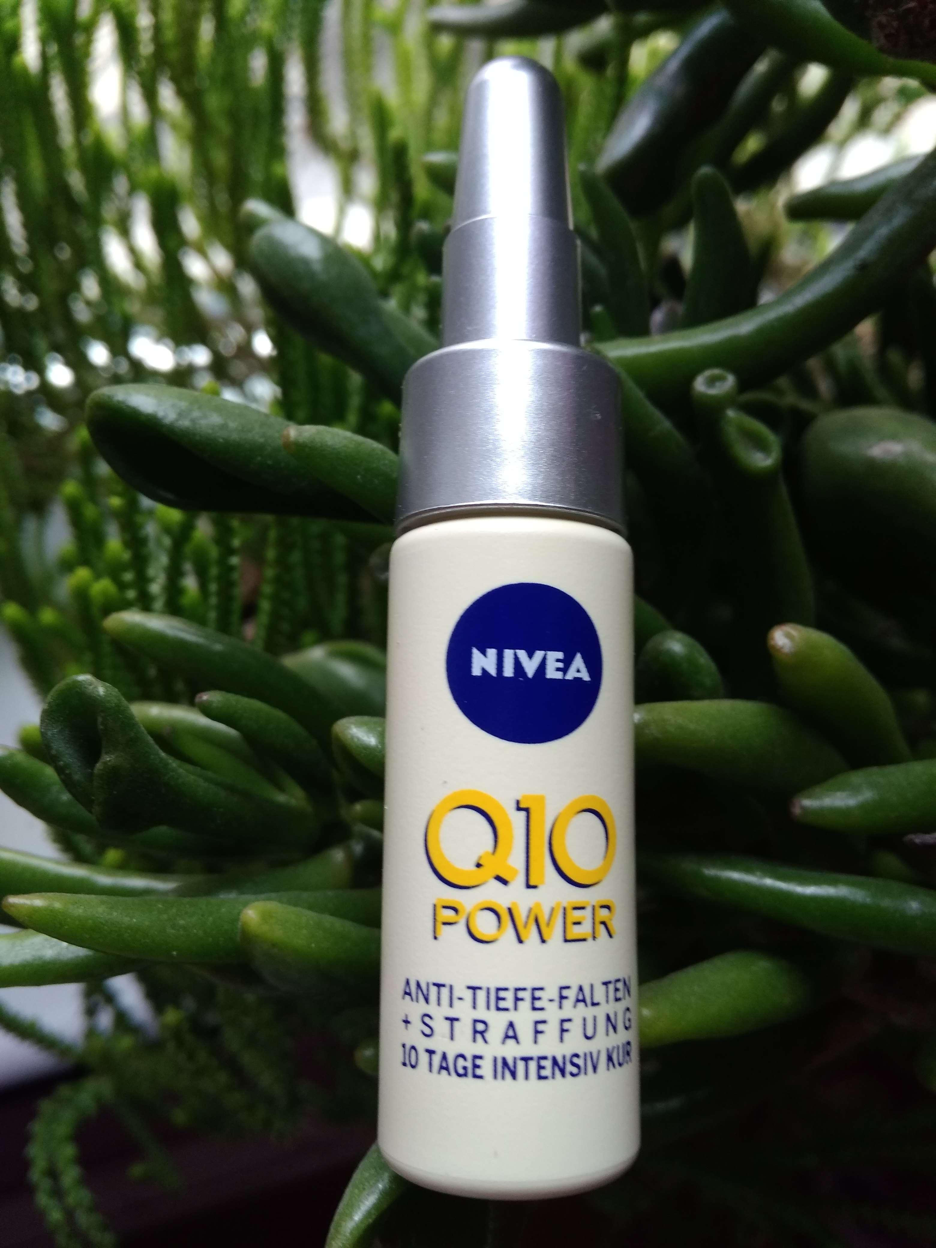Ампулата за интензивна терапия срещу бръчки Nivea Q10 Power Deep-Wrinkle + Firming