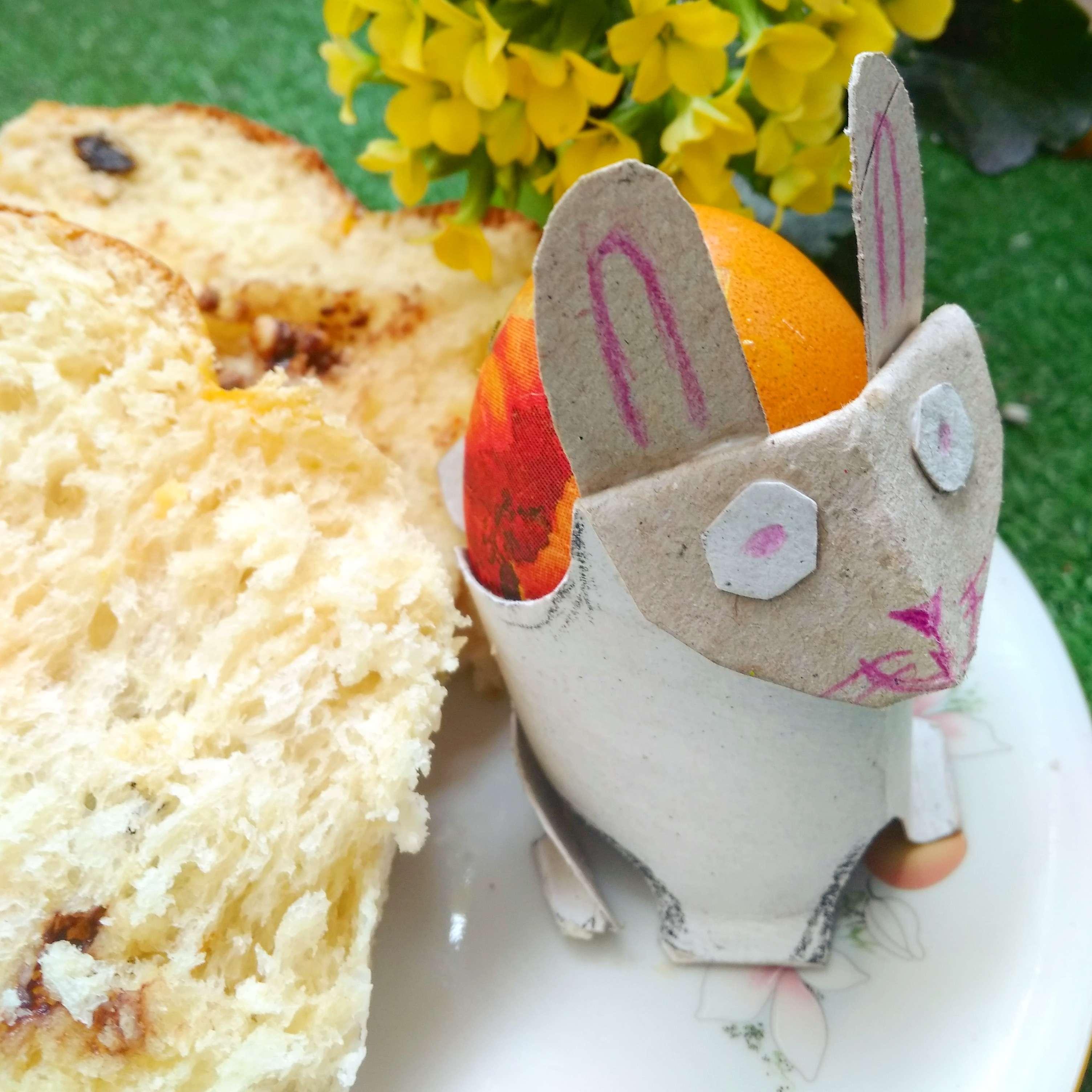 Зайче поставка за яйца