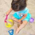 40 идеи за игри на плажа за децата от 0 до 3 години