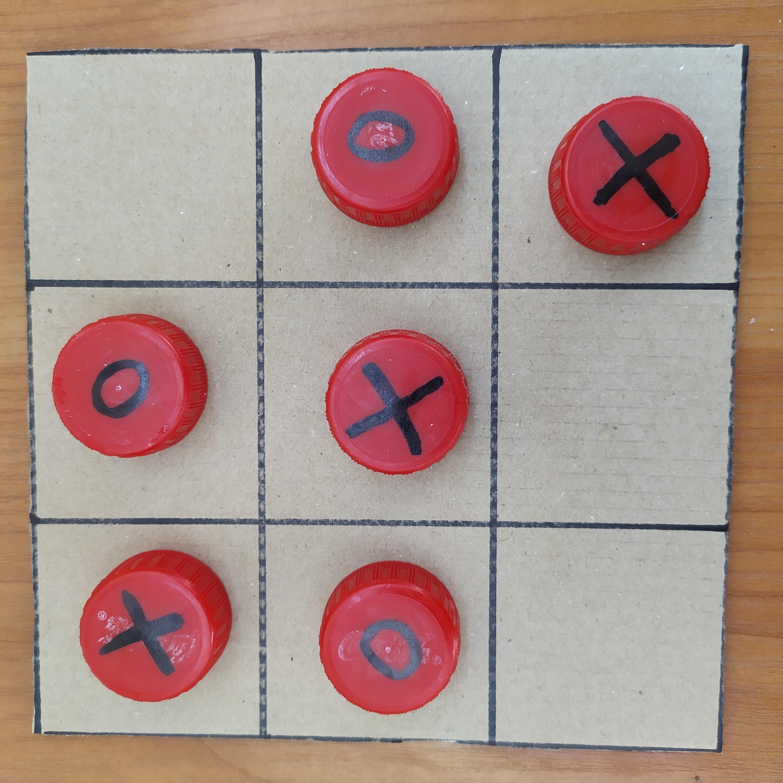 7 настолни игри, които може да си направим от подръчни материали