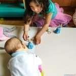 Стимулация на бебето 2м